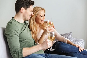 Top Conversation Starters in the Rich Dating Site